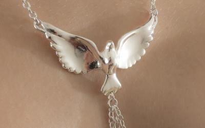 BodyBody.com Adds Outrageous crystal Bracelets to Its 2014 Sexy Jewelry Collection